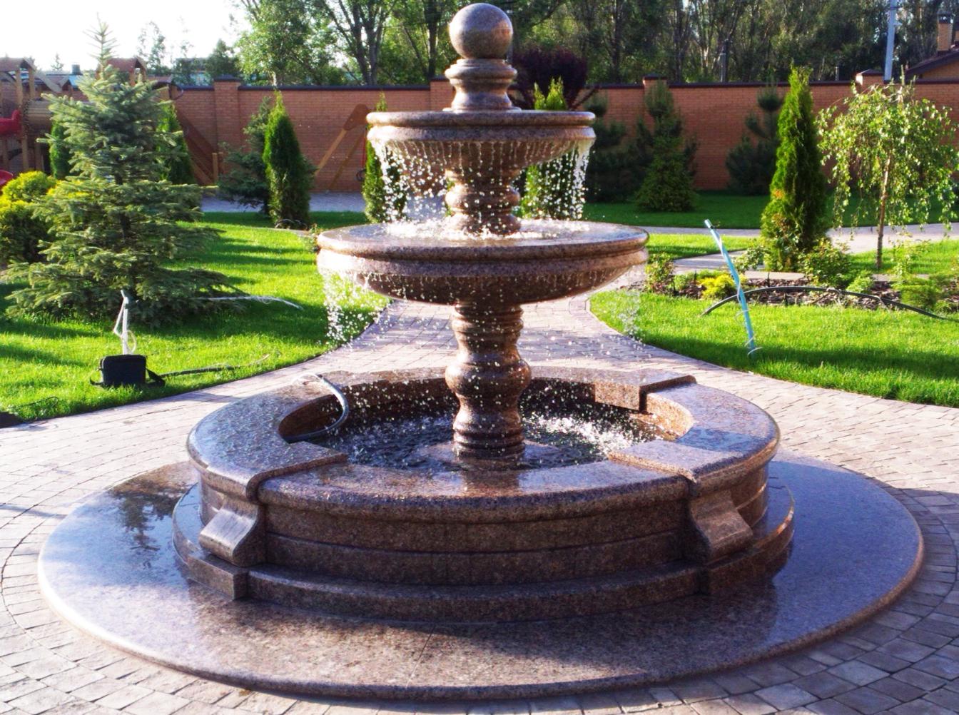 granitnyj-fontan-4